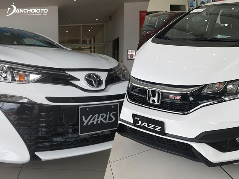 So sánh Honda Jazz và Toyota Yaris, Jazz có giá bán thấp hơn, lại có nhiều phiên bản hơn để lựa chọn