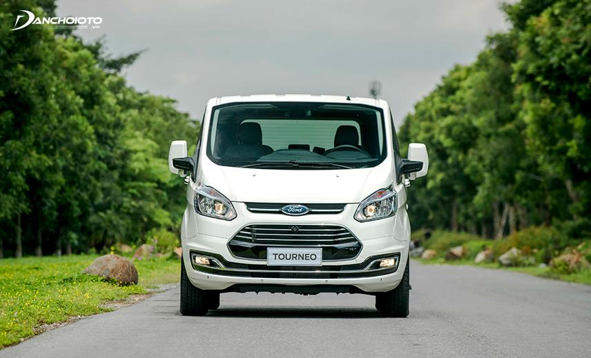 Thiết kế đầu xe Ford Tourneo 2020