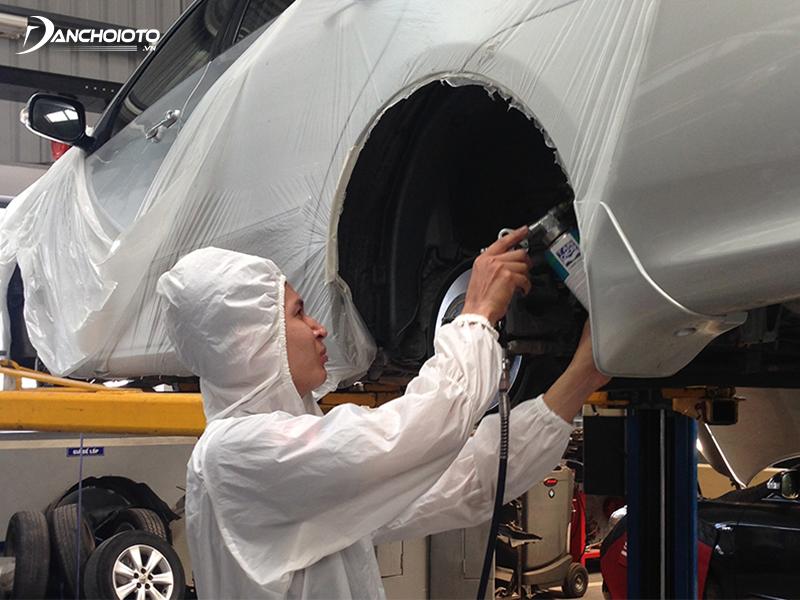Phủ gầm ô tô cần nhiều trang thiết bị hỗ trợ và hiểu biết nhất định về kỹ thuật