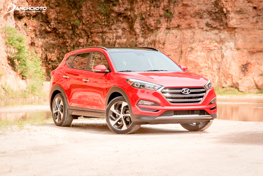 Hyundai Tucson 2016 possesses a strong and masculine look thanks to the famous