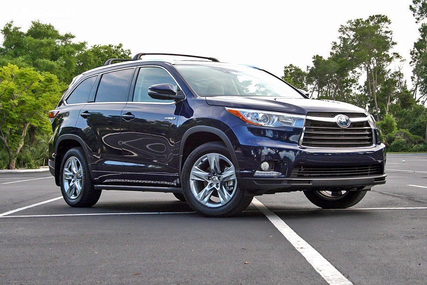 The old Toyota Highlander 2015 is considered quite new