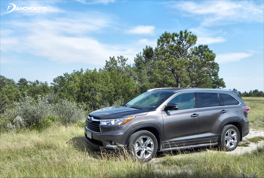 The old Toyota Highlander 2015 still has a strong and strong image