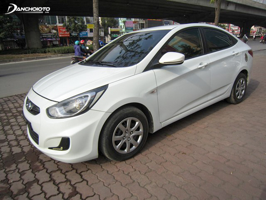 The price of used 2011 Hyundai Accent is for sale from 300 million VND