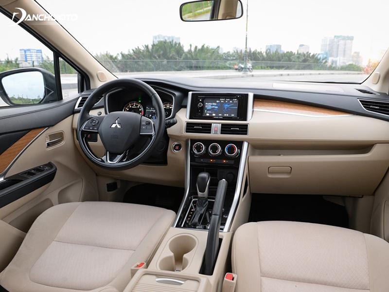 """Mitsubishi Xpander AT trang bị màn hình cảm ứng 6.2"""" inch đi kèm âm thanh 6 loa"""