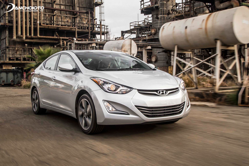 The exterior of the old 2014 Hyundai Elantra is more attractive and impressive than the previous version