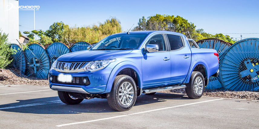 Exterior Mitsubishi Triton 2016 is inclined to be dynamic and sturdy