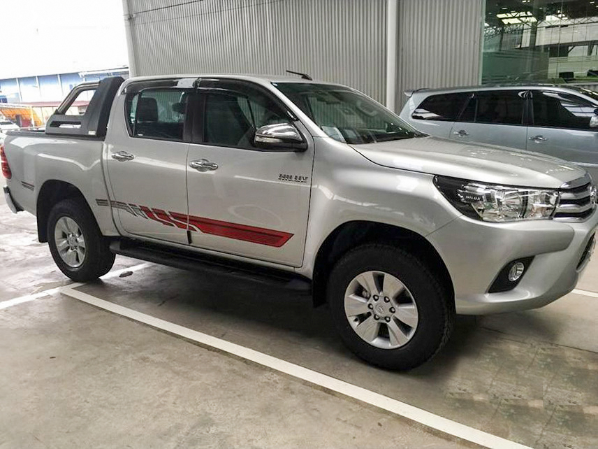 Exterior Toyota Hilux 2016 has a personality and sporty style