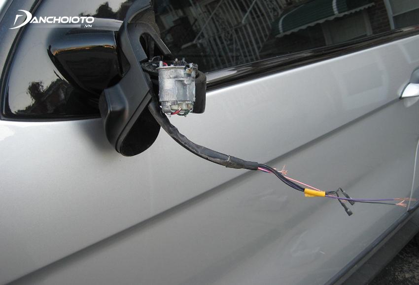 Bảo hiểm vật chất xe ô tô sẽ không bồi thường khi mất cắp bộ phận xe, xe chưa đăng kiểm theo quy định