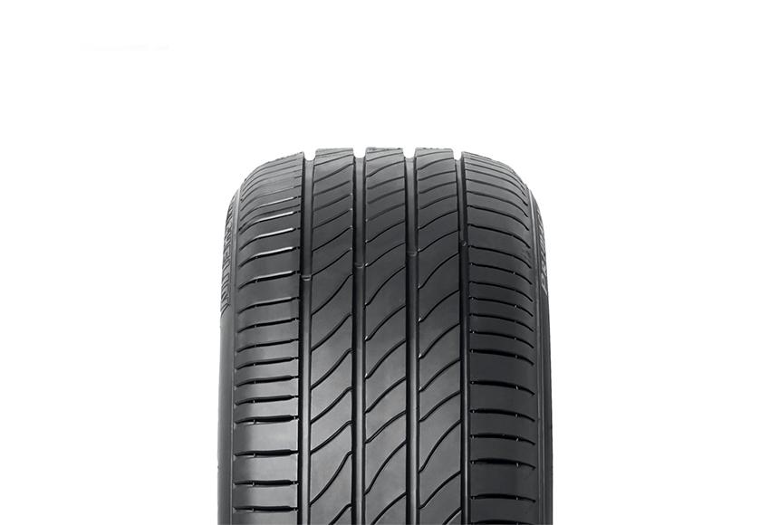 Lốp ô tô êm, ít ồn thường thuộc dòng lốp mềm, rãnh hoa đơn giản