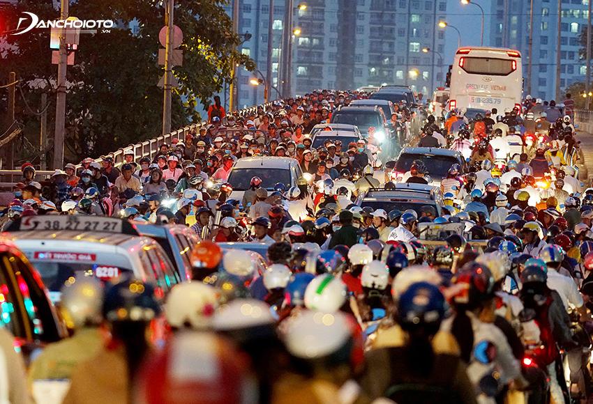 Một số quận nội thành Hà Nội sẽ bắt đầu áp dụng việc cấm lưu thông xe máy vào năm 2030
