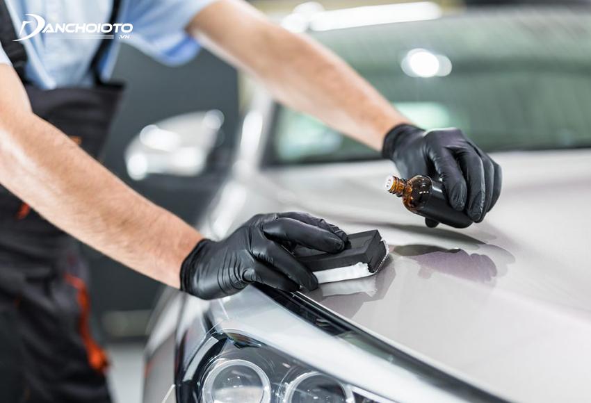 Sau khi đánh bóng có thể phủ nano hoặc ceramic để tạo lớp bảo vệ và tăng độ sáng bóng cho xe