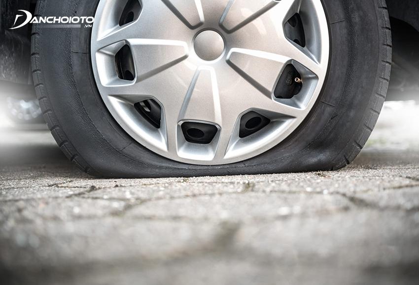 Những rắc rối từ việc thủng lốp lại gây khó chịu vô cùng, đôi khi còn dẫn đến nhiều hậu quả, thiệt hại