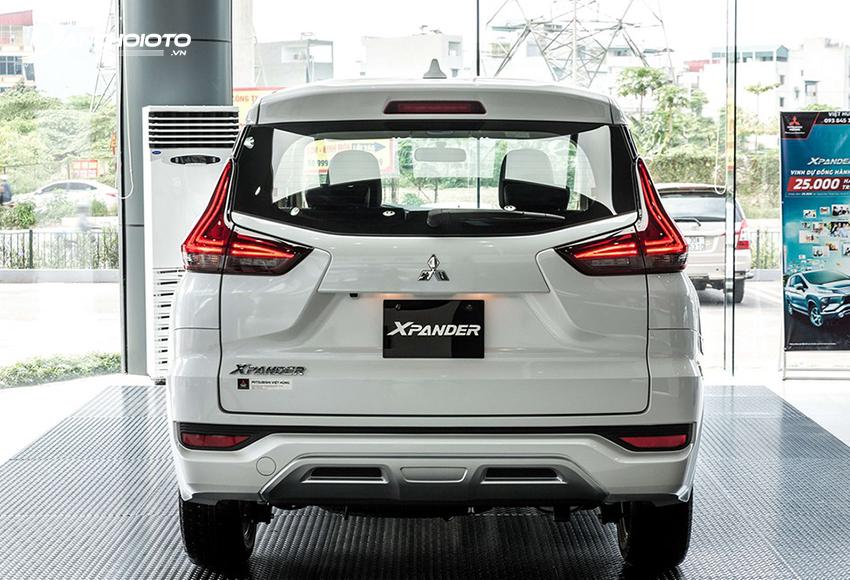 Các đường dập nổi ở đuôi xe Mitsubishi Xpander cũng theo chữ X như phần đầu