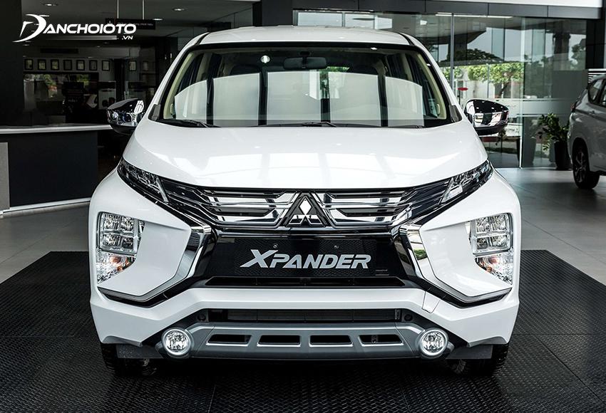 Mitsubishi Xpander 2020 có lưới tản nhiệt mới với 2 dải chrome xếp tầng cầu kỳ và bóng bẩy hơn