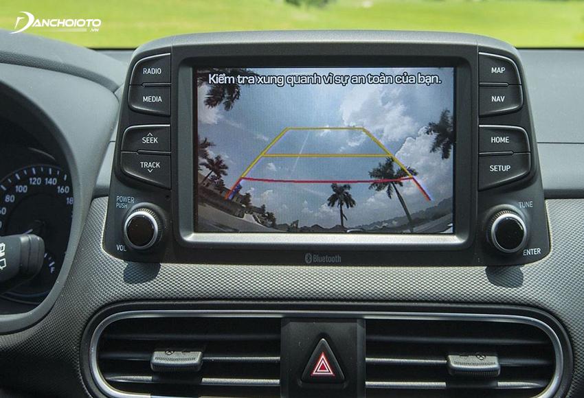 Hyundai Kona được trang bị màn hình cảm ứng 8 inch, tích hợp hệ thống định vị & dẫn đường phát triển dành riêng thị trường Việt Nam