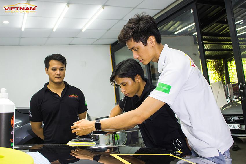 Nghề chăm sóc ô tô Detailing Car đang là một nghề đầy tiềm năng, thời gian học ngắn nhưng cơ hội việc làm cao