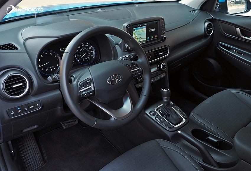 Thiết kế taplo và tappi cửa Hyundai Kona 2020 đơn giản, tính thực dụng cao