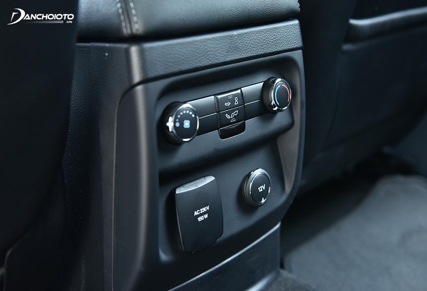 Cả 5 phiên bản Ford Everest 2020 đều được trang bị điều hoà tự động 2 vùng độc lập