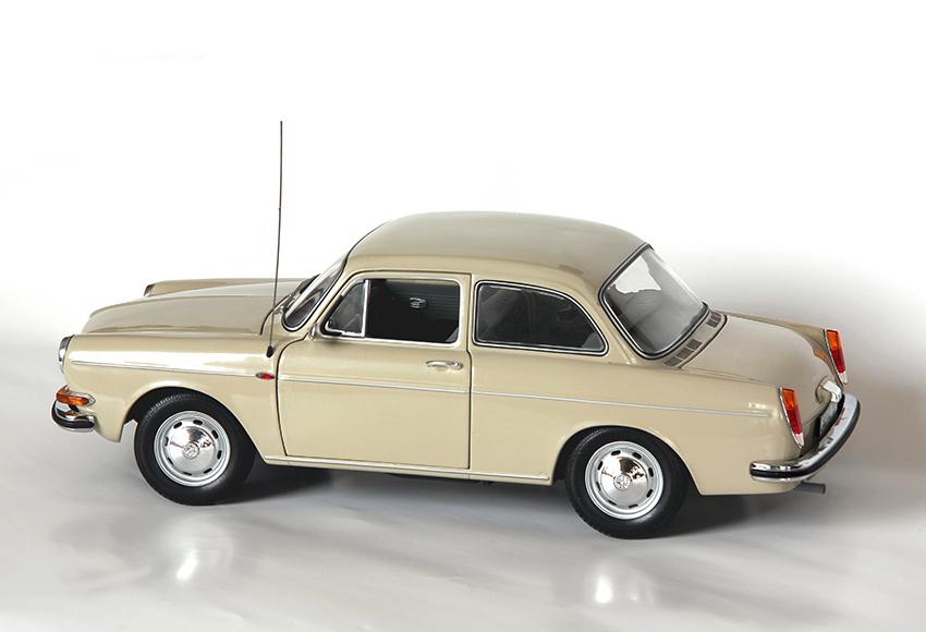Giá xe mô hình tĩnh trung cấp thường dao động từ 2 – 10 triệu đồng