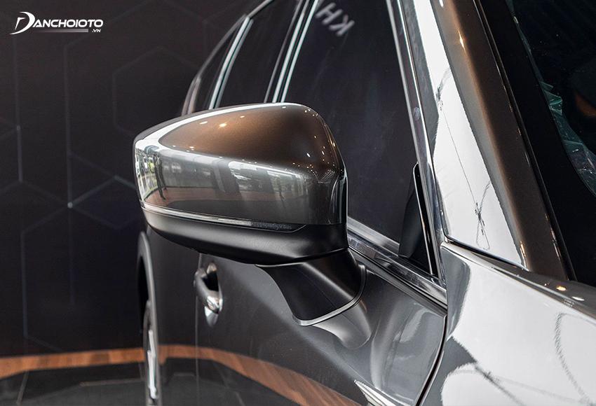 Gương chiếu hậu CX-8 2020 hơi tiếc khi không có tính năng sấy