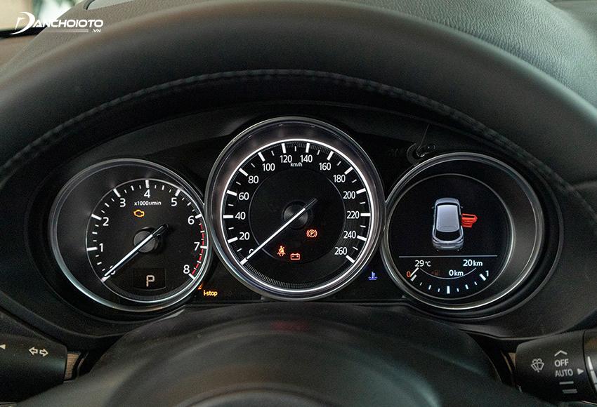 Mazda CX-8 2020 vẫn chỉ dùng đồng hồ Analog