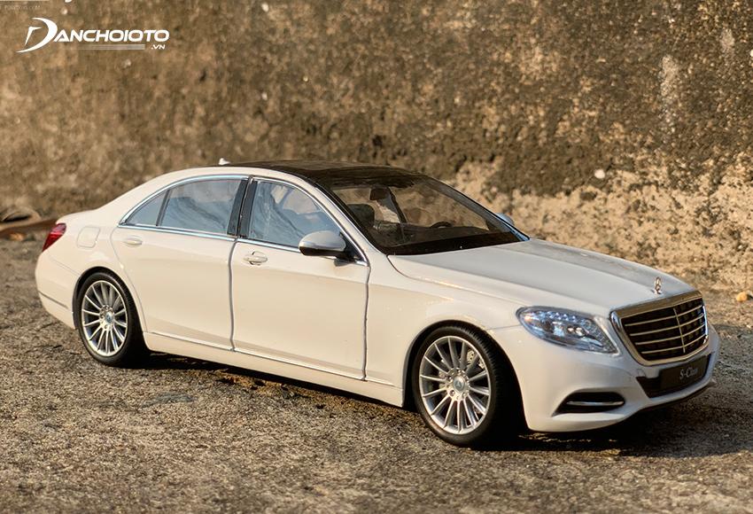 Mô hình xe Mercedes