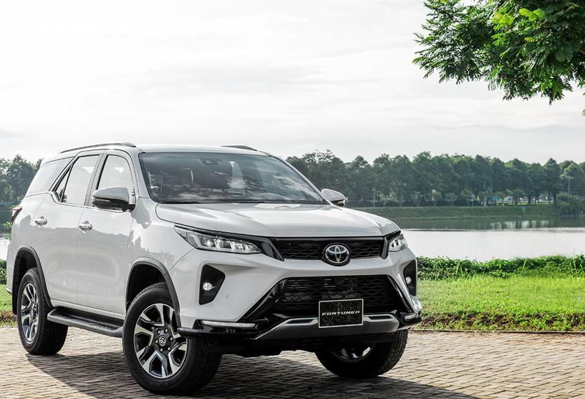 So sánh Everest và Fortuner, Toyota Fortuner được đánh giá cao hơn về các giá trị lâu dài