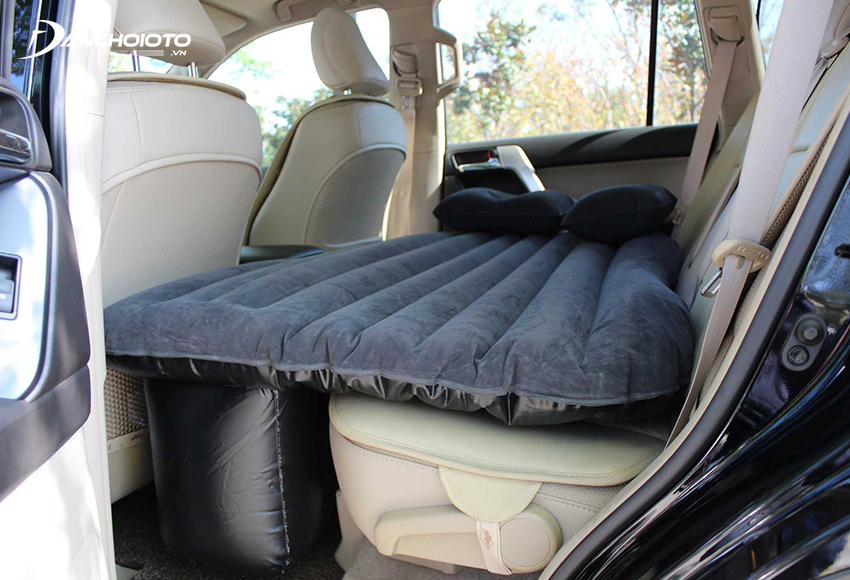 Có thể sử dụng nệm hơi ô tô để có dễ ngủ hơn, thoải mái hơn khi đi xe đường dài