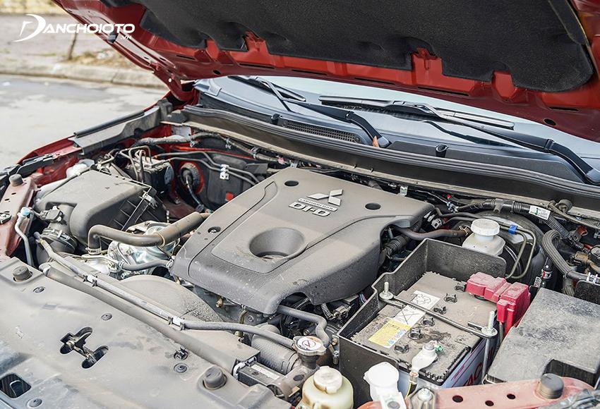 Động cơ dầu MIVEC sản xuất từ nhôm, giúp giảm 30 kg cho phần cầu trước