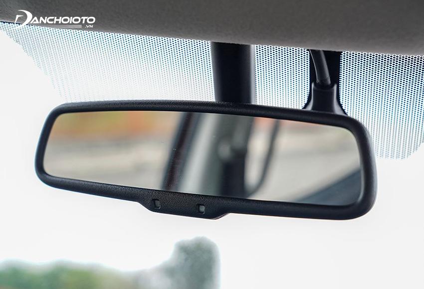Gương chiếu hậu chống chói tự động cũng chỉ có ở duy nhất bản Triton 4x4 AT MIVEC Premium