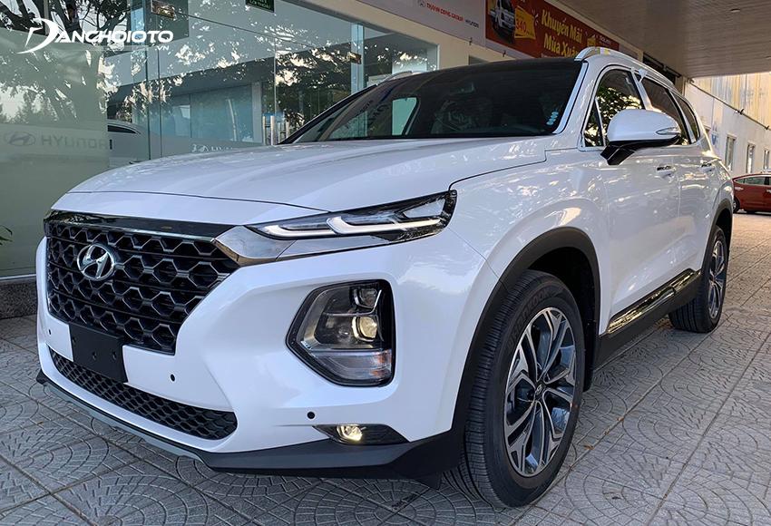 Hyundai SantaFe, Mazda CX-8 phù hợp để đi phố, đề cao tính tiện nghi