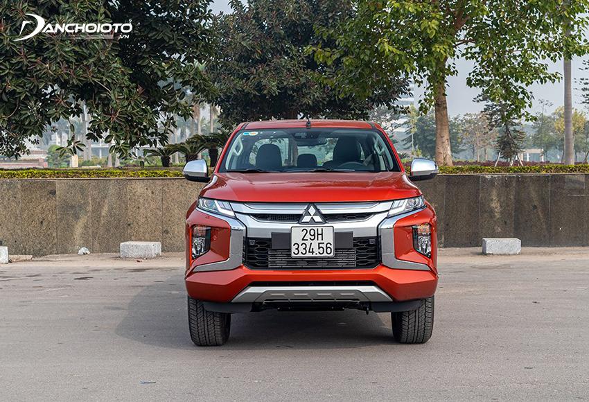 Mitsubishi Triton 2020 được đánh giá sở hữu phần đầu xe đầy cuốn hút với những đường nét nhấn nhá gai góc