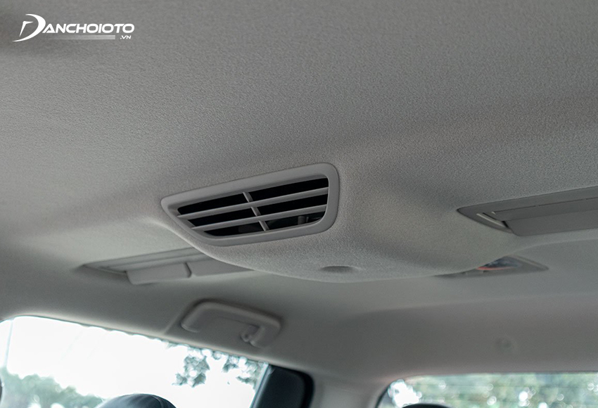 Mitsubishi Triton Premium 2020 có cửa gió trên trần, điều hoà tự động 2 vùng độc lập