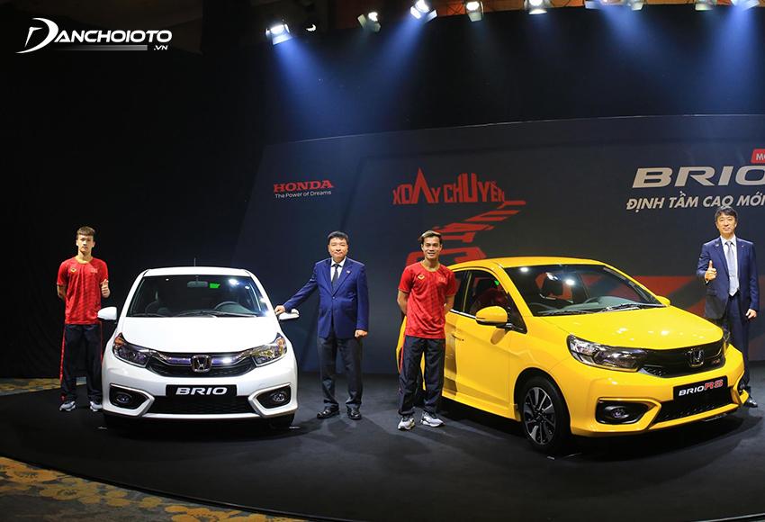 So sánh Honda Brio G và RS, giá xe Brio G thấp hơn tầm 30 triệu đồng so với giá xe Brio RS