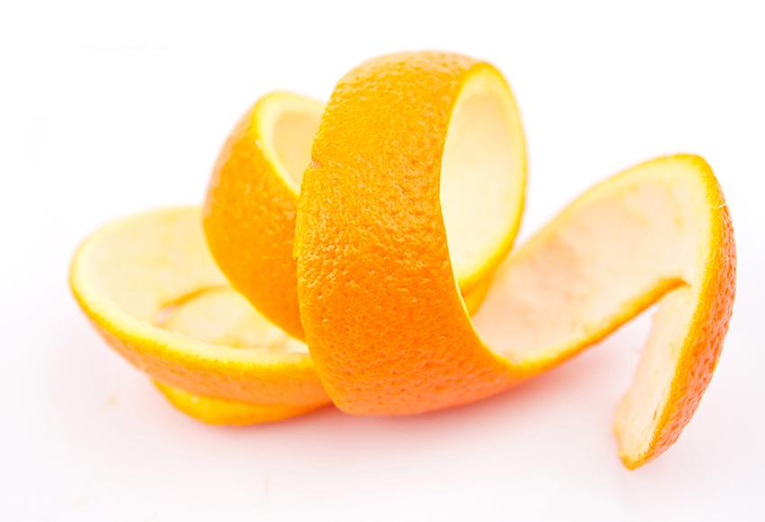 Sử dụng các loại vỏ quýt, cam, chanh, bưởi… là mẹo vặt chống say xe được khá người áp dụng
