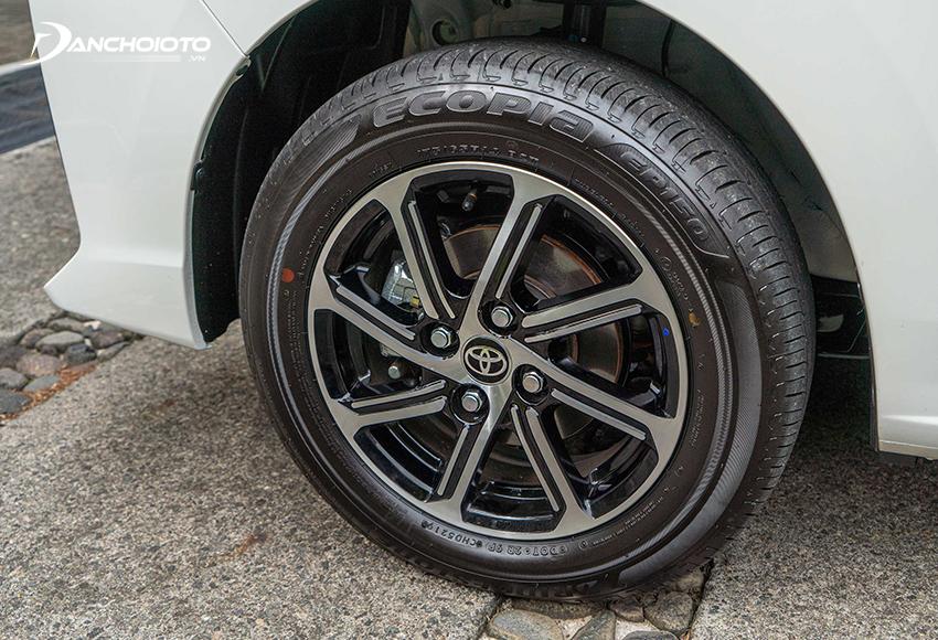 Toyota Wigo 2020 được trang bị bộ mâm xe 8 chấu kiểu mới