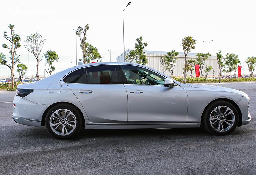 VinFast Lux A2.0 2020 cuốn hút với thân xe dài đẹp mắt