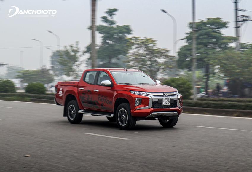 Vô lăng Mitsubishi Triton 2020 sử dụng hệ thống trợ lực lái thuỷ lực mang đến cảm giác lái chân thật