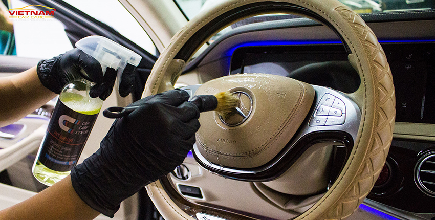 Dung dịch vệ sinh chuyên dụng vừa giúp làm sạch, khử khuẩn vừa có tác dụng bảo dưỡng
