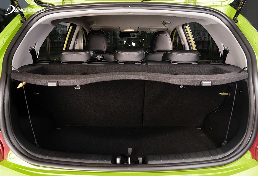 Khoang hành lý Kia Morning 2021 rộng hơn với dung tích 225 lít