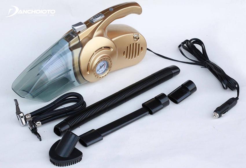 Máy hút bụi ô tô 4 trong 1 có đến 4 tính năng bao gồm: hút bụi, bơm lốp xe ô tô, đồng hồ đo áp suất lốp, đèn pin cứu hộ