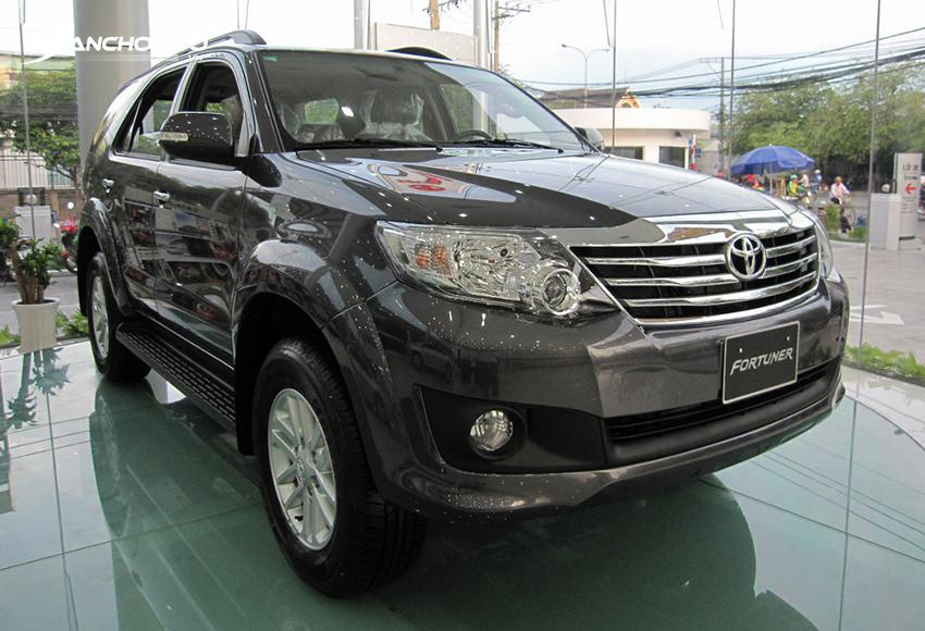 Ngoại thất Toyota Fortuner 2012 cũ