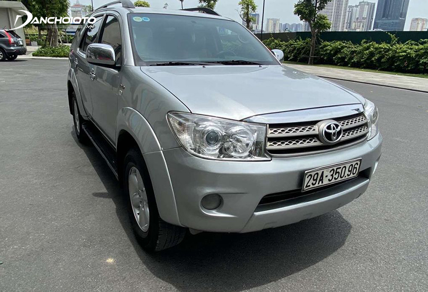 Toyota Fortuner 2011 cũ