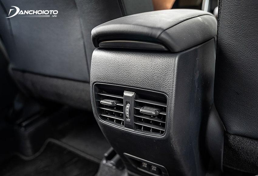 Cả 3 phiên bản Toyota Cross 2020 đều có cửa gió hàng ghế sau