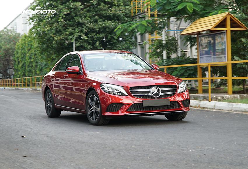 Dù chỉ dùng động cơ 1.5L, công suất 156 mã lực nhưng Mercedes C180 2020 vẫn giữ được chất Mercedes, mạnh mẽ của xe Đức