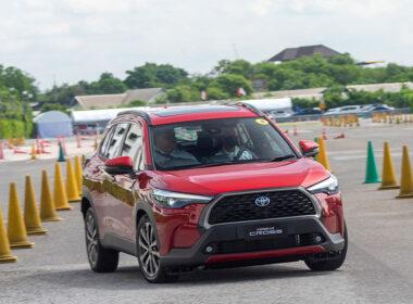 Giá xe Toyota Corolla