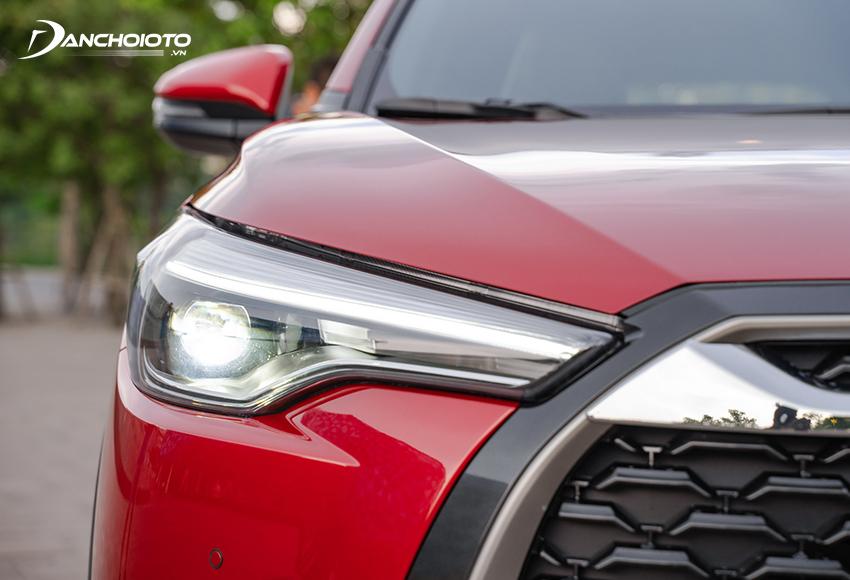 Hệ thống đèn trước Toyota Corolla Cross 2020 thanh mảnh kéo dài sắc sảo