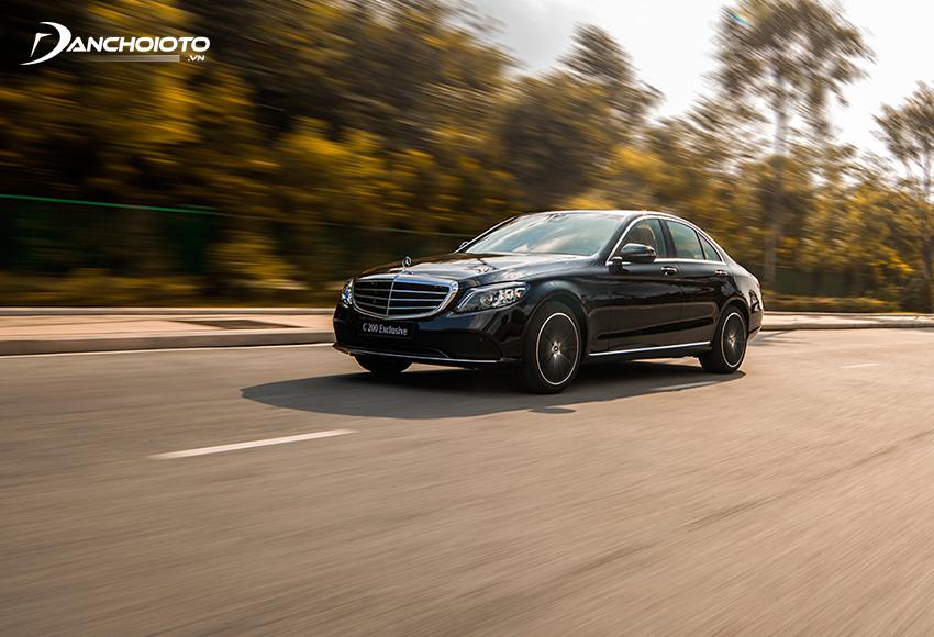 Hệ thống treo trên Mercedes C200 Exclusive có khả năng điều khiển hệ thống giảm xóc kỹ thuật số
