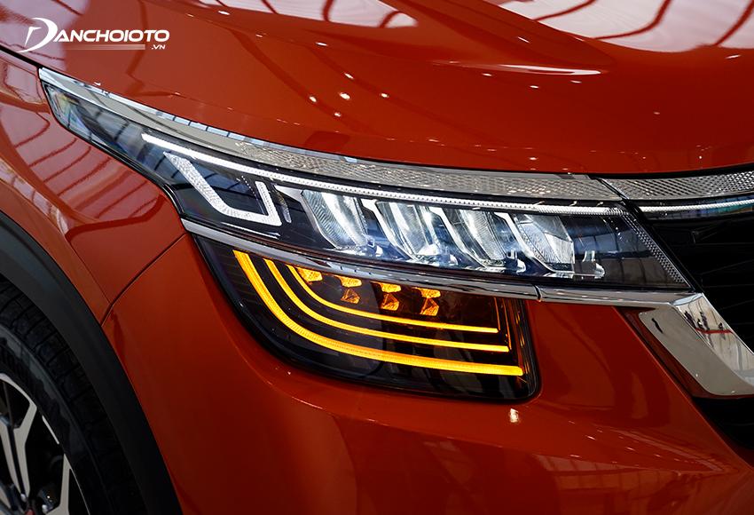 Kia Seltos Premium được đầu tư mạnh tay với cụm đèn Full-LED phân tầng độc đáo