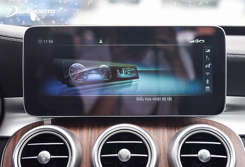 Mercedes C200 Exclusive 2020 dùng màn hình cảm ứng 10.2 inch, bổ sung thêm kết nối Apple CarPlay và Android Auto